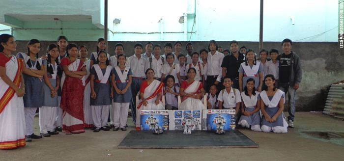 Vive Les Robots! case study: LEGO Mindstorms School Tour in India (2012): http://www.vivelesrobots-education.dk/english