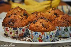 Muffins cu banane si ciocolata!!!!!!!!! Delicioase :) Ingrediente pentru 12 bucati: - 280 g. faina - un praf desare - 2linguritepraf de copt - 1 varf de cutit bicarbonat de sodiu alimentar (op...