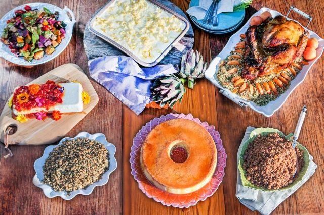 Para alimentar a grande família, a chef Morena Leite (Capim Santo) sugere uma ceia tropical incluindo clássicos como, peru e farofa. Para quem não aprecia muito o peru, Morena propõe um bacalhau com natas. Este, pode ser preparado com antecedência e finalizado no forno poucos minutos antes de servir.