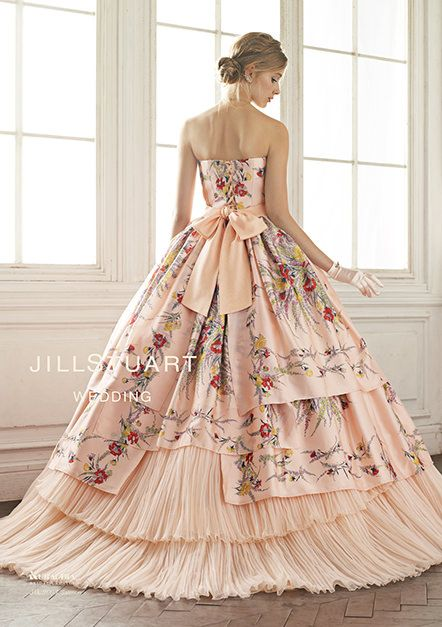 This is like a childhood fantasy of mine...I just wanna wear a huge ballroom dress like from gone with the wind!
