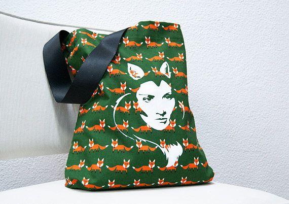 Hangemaakte draagtas groene stof met oranje vosjes met