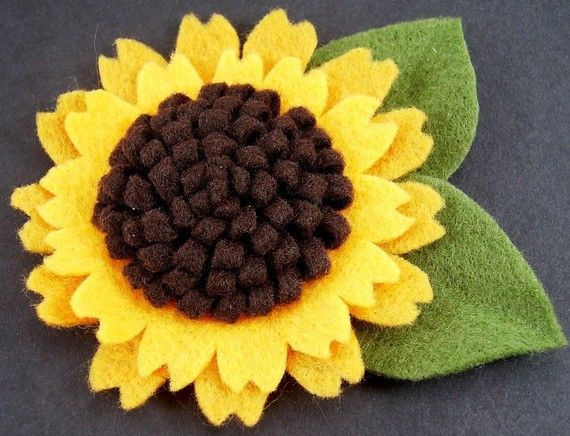 Felt Sunflower Pattern Tutorial ... No Machine Sewing Quick and Easy. $6.00, via Etsy.