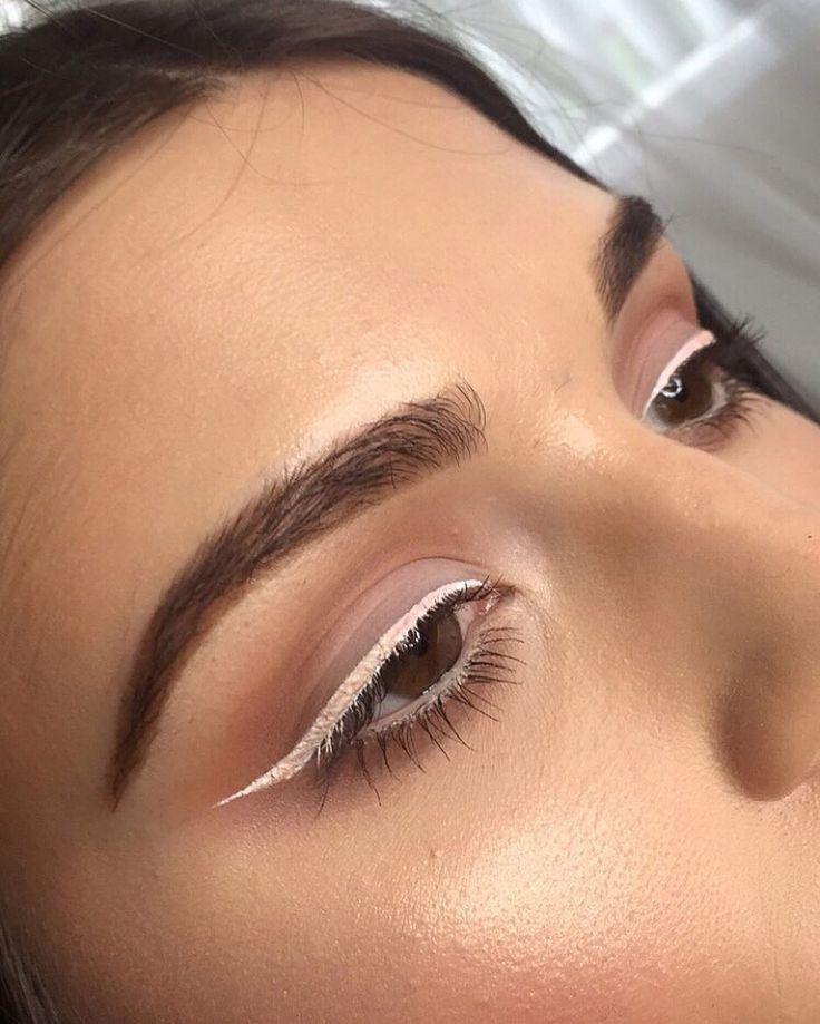 White winged eyeliner.
