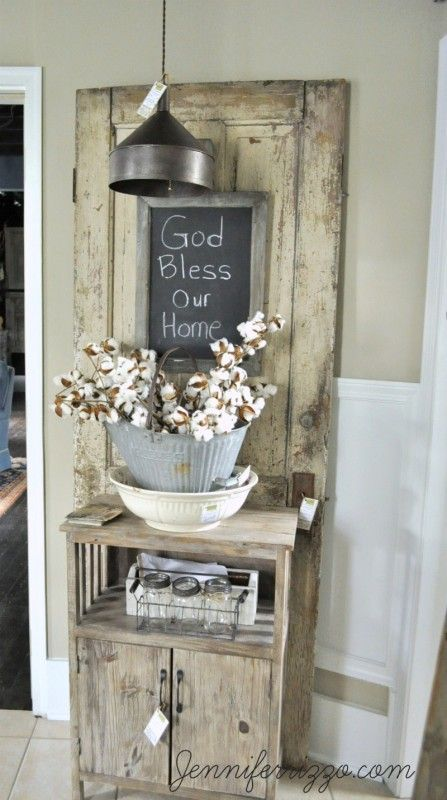 Vintage-inspired farmhouse decor - Jennifer Rizzo