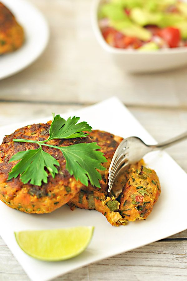 Baked salmon labor and fish cakes recipe on pinterest for Baked fish cakes