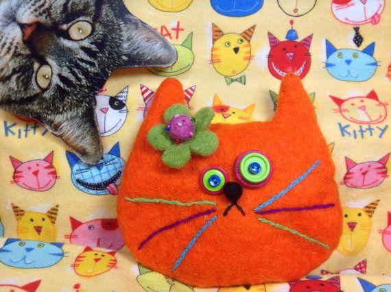 Orange cat purse by showmealittlesign on Etsy, $15.00