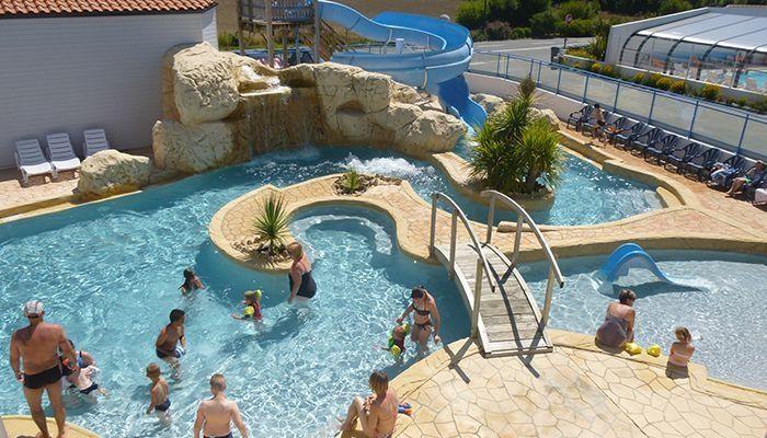 Grand parc aquatique chauffé au Camping Europa **** – Saint-Gilles-Croix-de-Vie (Vendée)