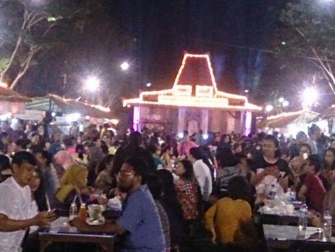 Pasar Malam Tjap toenjongan