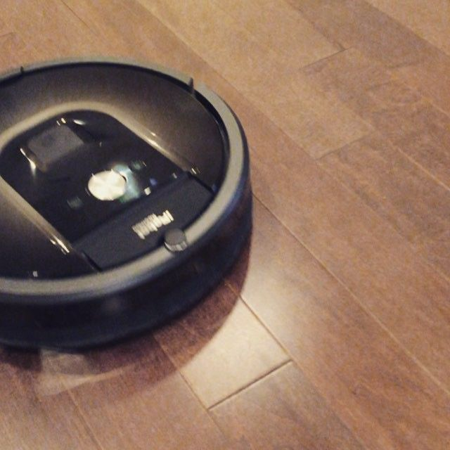 Enjoying the @irobot #Roomba. It allows me to do my #Work and #Chores at the same time. #Robot #Vaccum #Productivity