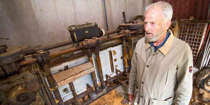 Maskinen som blev ett bidrag till freden - Anders Randver har en träullshyvelmaskin i sin ägo. Efter andra världskrigets slut fick Finland licens för att tillverka 500 maskiner som en del i krigskadeståndet till Sovjetunionen.