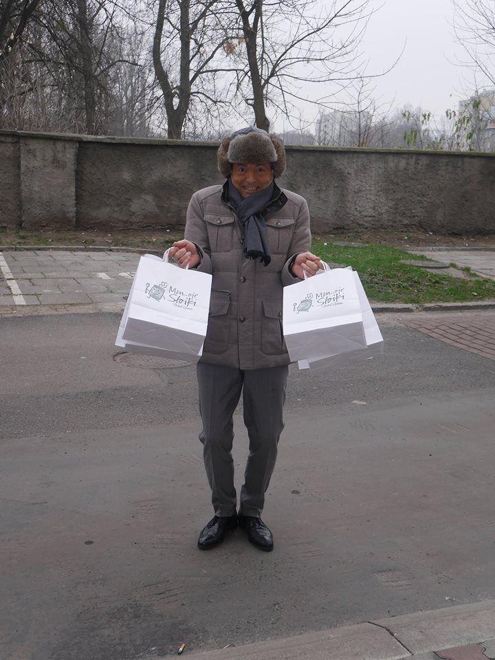 Brrr, zimno...!  Jeśli nie chce Ci się wychodzić na lunch - zamów 10 gorących zestawów, a my dostarczymy je pod wskazany adres na terenie całej Warszawy! :)
