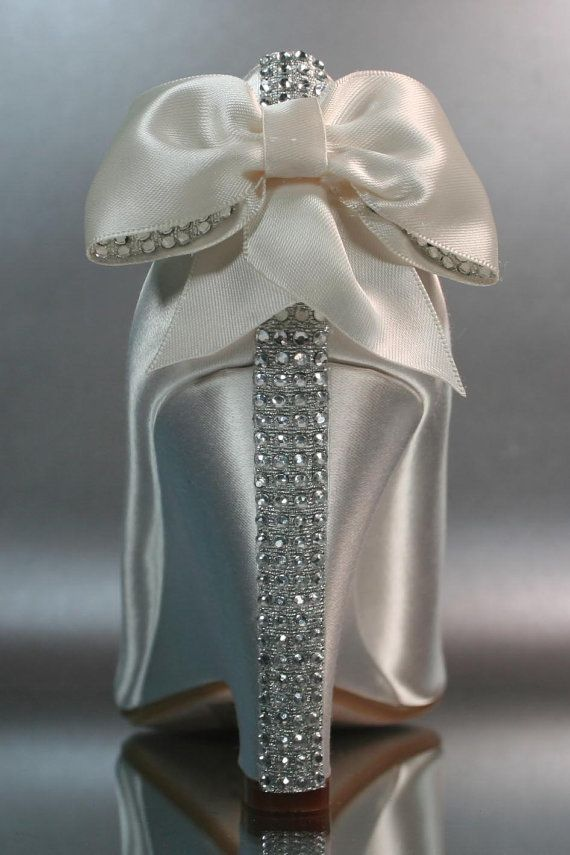 942 best Wedding shoes images on Pinterest | Bride shoes, Bridal ...
