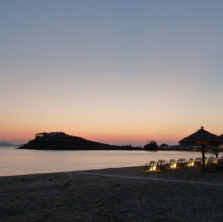 Agios Georgios, the citybeach of Naxos, also great at night for dinner or Cocktails