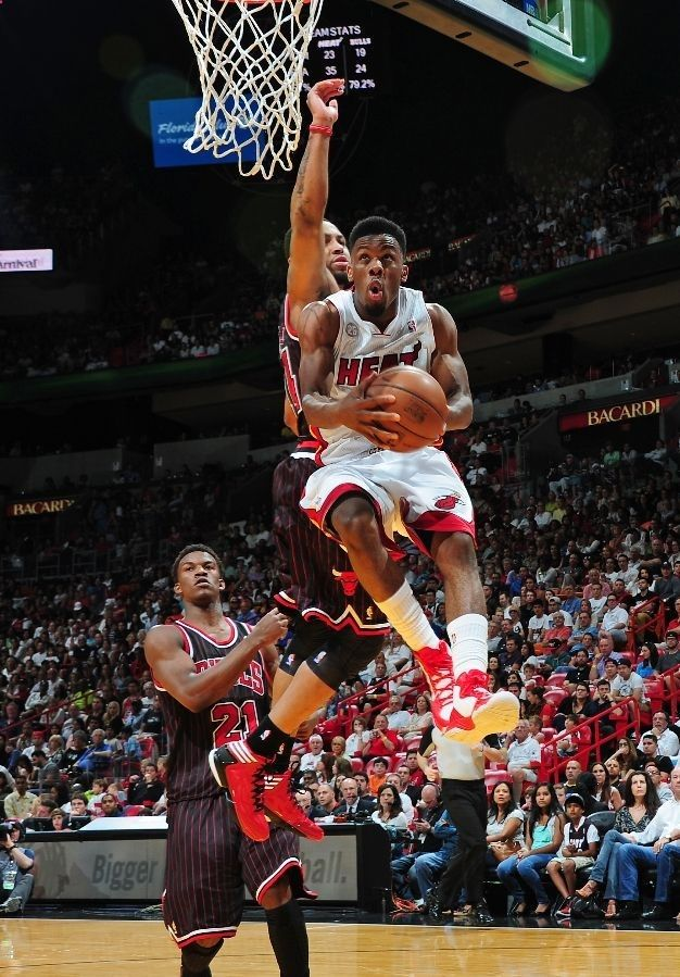 MIAMI, FL - APRIL 14: Norris Cole #30 of the Miami Heat goes to the basket vs the Chicago Bulls