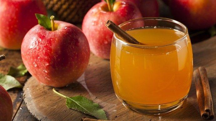 Napi egy alma az orvost távol tartja, így az almából készített szűrt lé is egészséges üdítő.