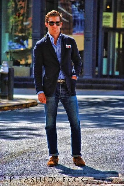 We often see men pair the traditional blazer jacket with denim jeans. A great outfit – a modern classic that 40 years ago was pushing the envelope but today is a established way to wear your blazer jacket .