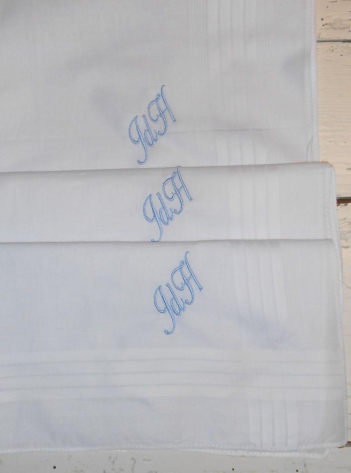 Heren zakdoeken JdH lettertype ballanties script kleur licht blauw http://www.borduurkoning.nl/shop/diversen/zakdoeken