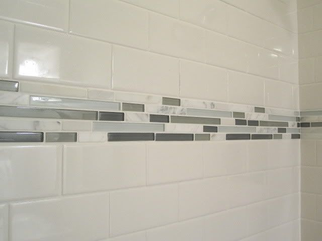 tile color combo white subway tiles w carrara marble