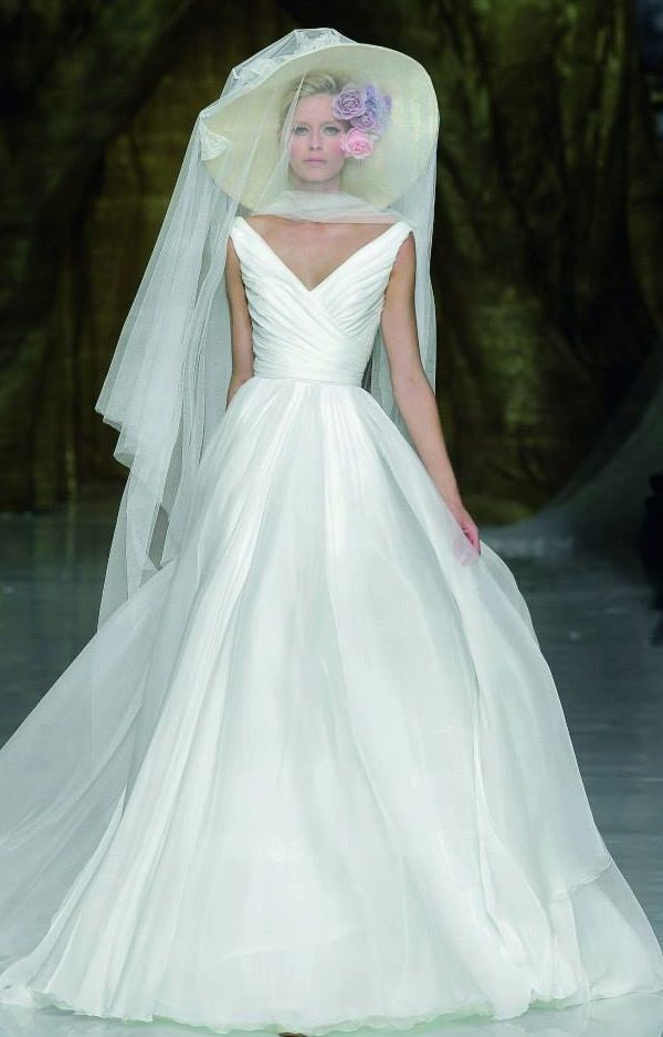 23 best Favourite wedding dresses! images on Pinterest | Wedding ...