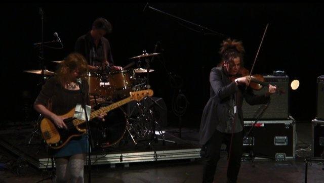 Vidéo by MissLondres, The Raincoats live at BBMIX2010