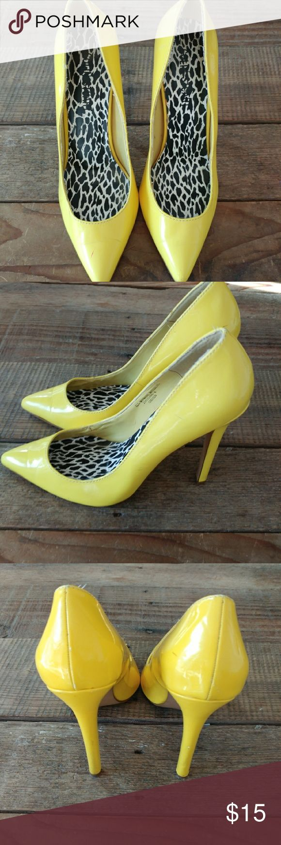 """Colin Stuart Yellow high heels Sz 8 Colin Stuart Yellow high heels. These have some scuffs and marks. Size 8. See photos. 5"""" heels. Colin Stuart Shoes Heels"""