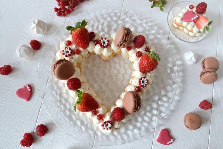 La cream tart è la torta del momento, quella che sta facendo impazzire tutto il web per il suo aspetto scenografico e che arriva direttamente dagli Stati