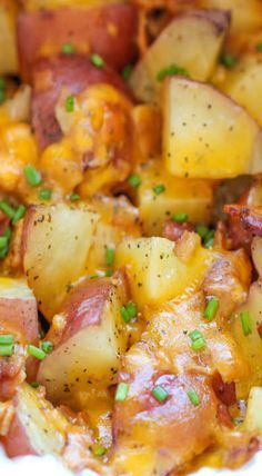 Slow Cooker Cheesy Bacon Ranch Potatoes - The easiest potatoes you can make right in the crockpot - perfectly tender, flavorful and cheesy! (appetizer, snack, side dish recipe)