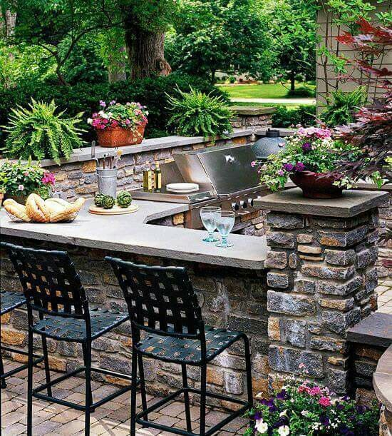 Now that's a built-in bbq!