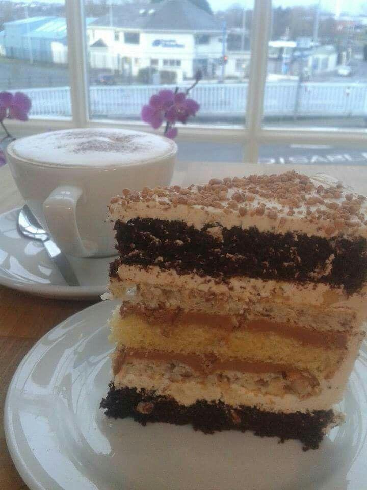 Lough Erne Cakes, Enniskillen.  http://fabbreaks.com/