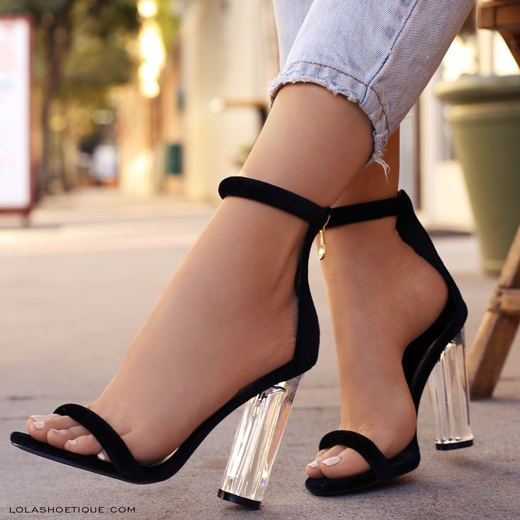 Clear heel? NEVER. I mean it's common in the pageant world recently but I DO NOT get it.