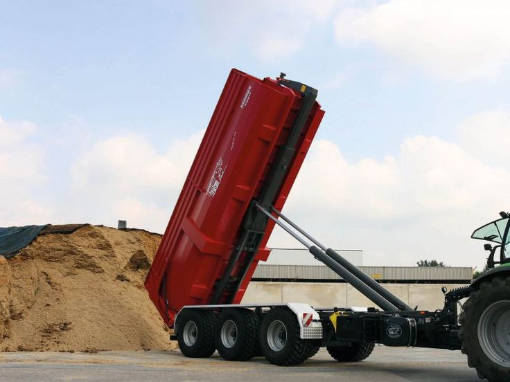 Längere Container, größeres Transportvolumen, höhere Wirtschaftlichkeit: Die neue Version des Krampe Tridem-Hakenliftanhängers THL 25 L ist die jüngste gemeinsame Entwicklung des münsterländischen Fahrzeugbauers Krampe mit dem niederländischen Hersteller VDL Containersystemen bv
