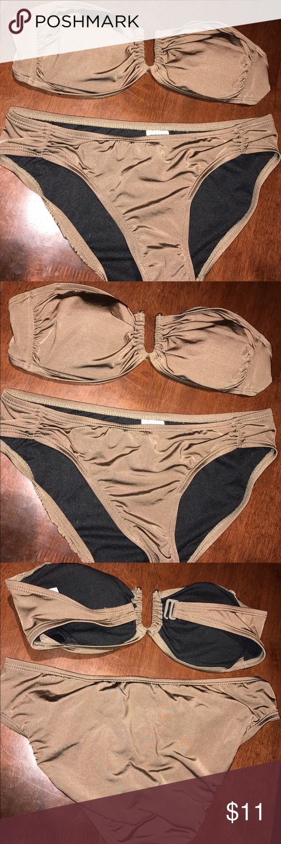 Old Navy bathing suit size XS Olive green/ brown earthy color Old Navy bikini, both top and bottom are size XS. Top is a strapless bandeau style too with u-shaped metal front accent, and metal back closure. NWOT Old Navy Swim Bikinis
