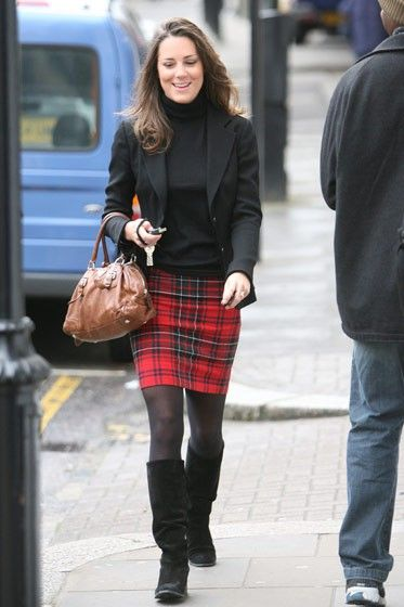 kate middleton plaid skirt | Kate Middleton's red tartan plaid skirt, black tights and boots is ...