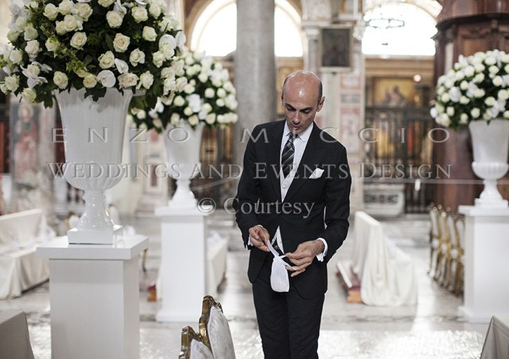 Spring Wedding in Rome #wedding #rome #weddingplanner #enzomiccio #bride #groom #flowers #flowerdesign #roses
