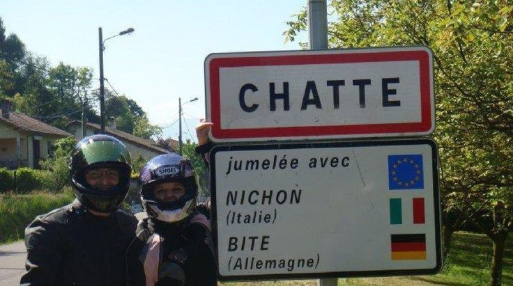jumelage de ville, est une image drôle publiée le 23 Décembre 2012 par CARTAPUCE. Que pensez-vous de cette image drole insolite ?