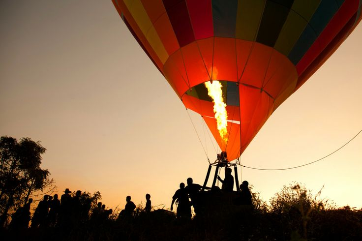 4 reasons to go hot air ballooning with African Travel Gateway http://www.followthedassie.com/4-reasons-to-go-hot-air-ballooning/ #africansafaritours