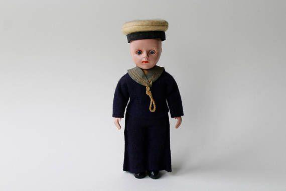Vintage poupée garçon HMS Pinafore marin. Poupée garçon de