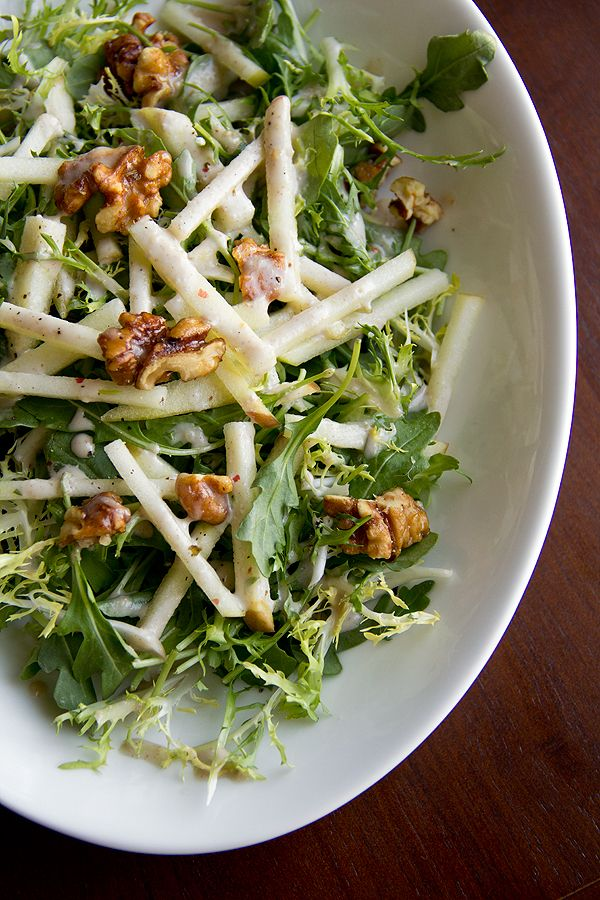 Honey Crisp Apple Salad with Candied Walnuts and Cider Vinaigrette by thecozyapron #Salad #Apple #Walnuts #Healthy