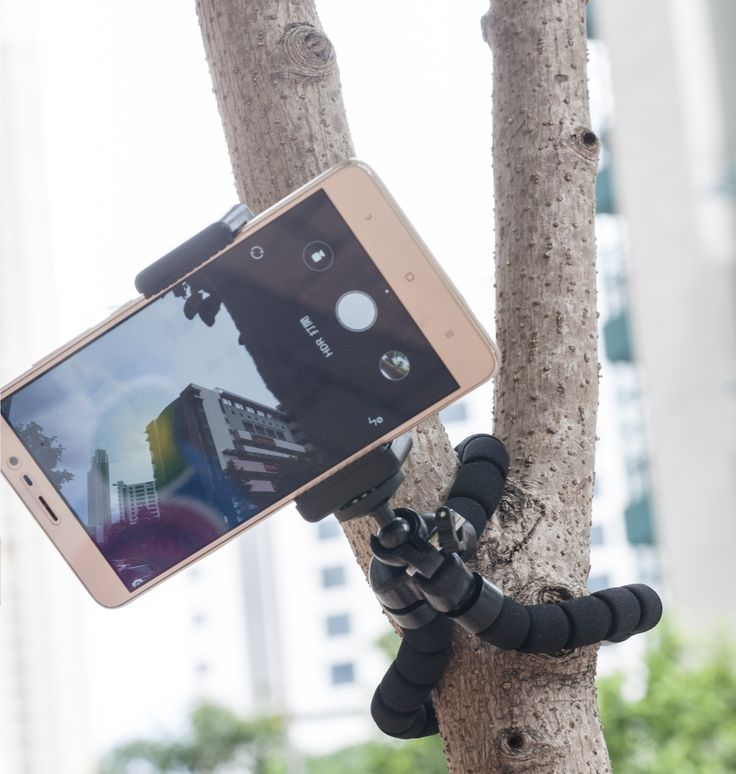 PSL - OD5095 FLEX TRIPOD has flexible legs that can bend 360° to secure your phone or camera to tree branches, railings, furniture, and more. Creates better stability on sloping and uneven surfaces. You can capture super-steady shots and videos anytime, anywhere.  www.pslcanada.com