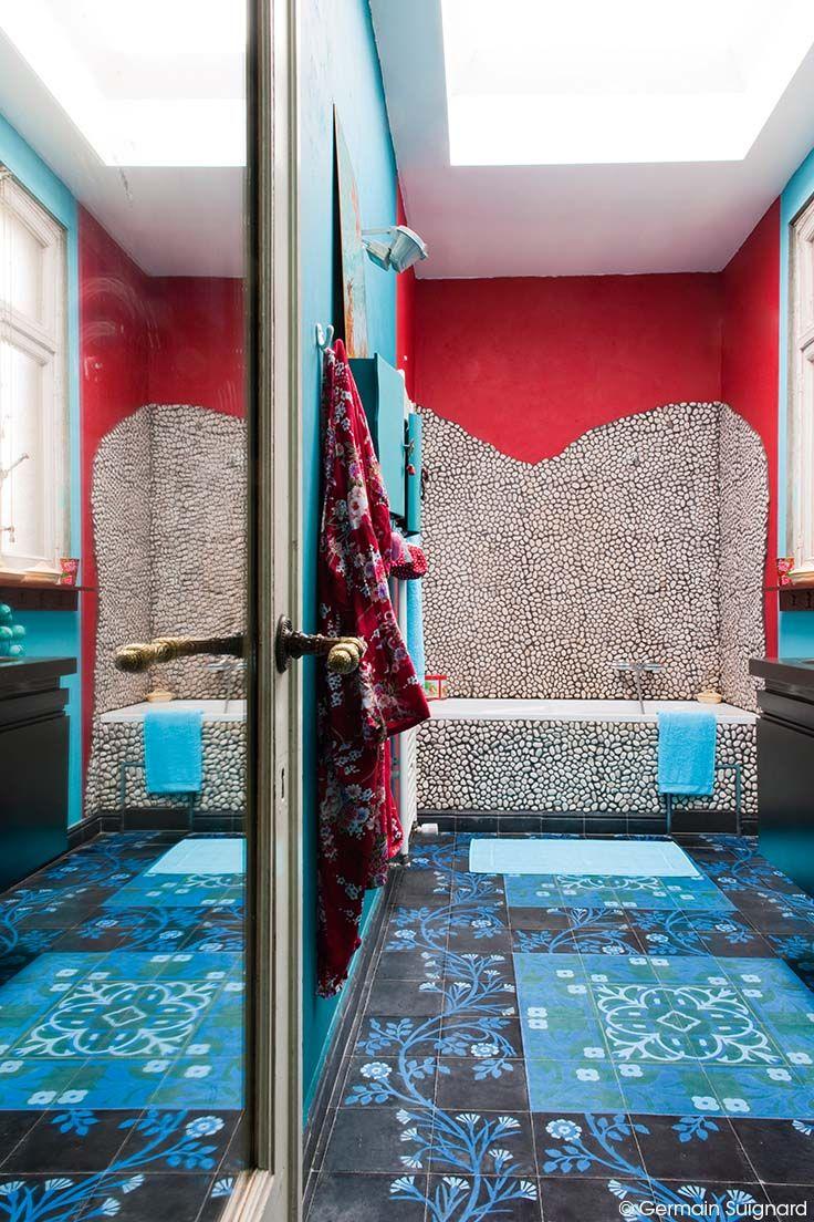 Ambiance pop dans la salle de bain marrier les couleurs for Salle de bain pop