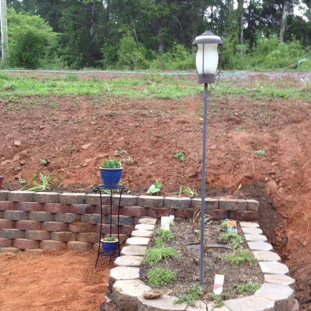 39 best images about retaining walls on pinterest for Flower bed wall designs