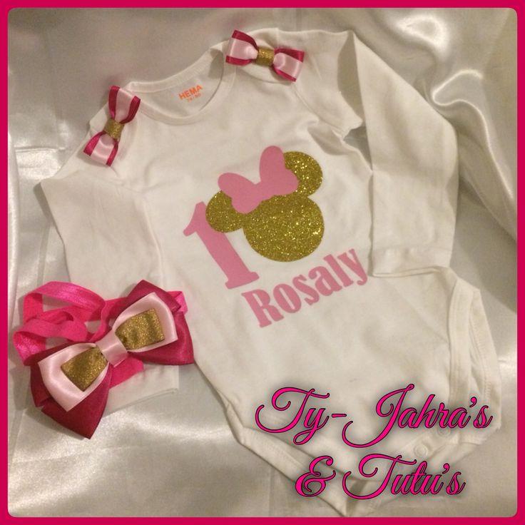 Voor Prinses Rosaly 💞 een Hot Ballerina Angel Crunchy tutu om haar 1e verjaardag nog specialer te maken 🎀  Haar Queen mama huilde van blijdschap toen ik de strik op haar hoofdje deed. Wat deed ze mama Queen haar prinsesje de hele outfit aanhad 😂❤️😂❤️😂❓  Bijpassend een rompertje met opdruk dankzij @jdsparklingdesigns  JD Sparkling Designs https://www.facebook.com/JdSparklingDesigns  Have Fun & Enjoy! @tyjahrastutus ✨🎀✨
