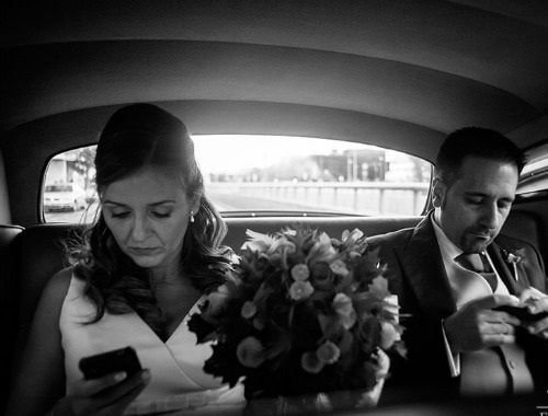 Matrimoni metropolitani: celebrati in location alternative, contano su allestimenti essenziali ed eleganti. La sposa urbana è colei che, senza perdere di vista la tradizione, fa proprie con astuzia le comodità dell'epoca 2.0, organizzando la cerimonia grazie anche ad Internet! #wedding #weddingplanning #web2punto0 #organizzazione #sposaurbana #metropoli