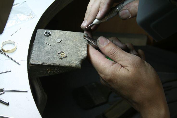 Изготовление серег (Квадрат),сверления отверстия 0,8 мм. Сверло с хвостовиком.