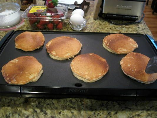 Cashew Pancakes -- protein-packed and so healthy! Instead of maple syrup, sweeten the batter with stevia (20 drops or so) and serve with yummy Phase 3 fruit