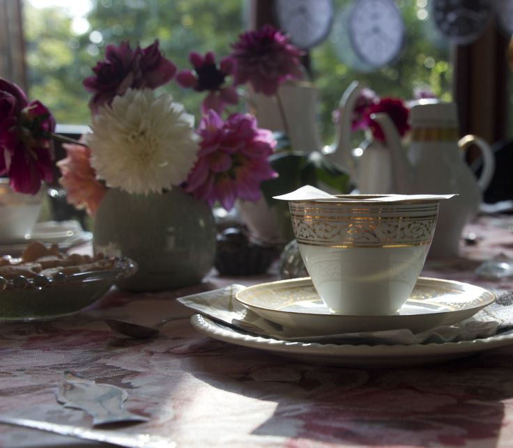 MAD HATTER TEA PARTY - SIMPLY DANISH LIVING