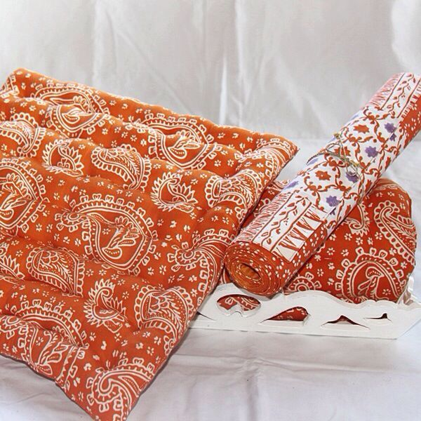 Seat Cushion paisleys,