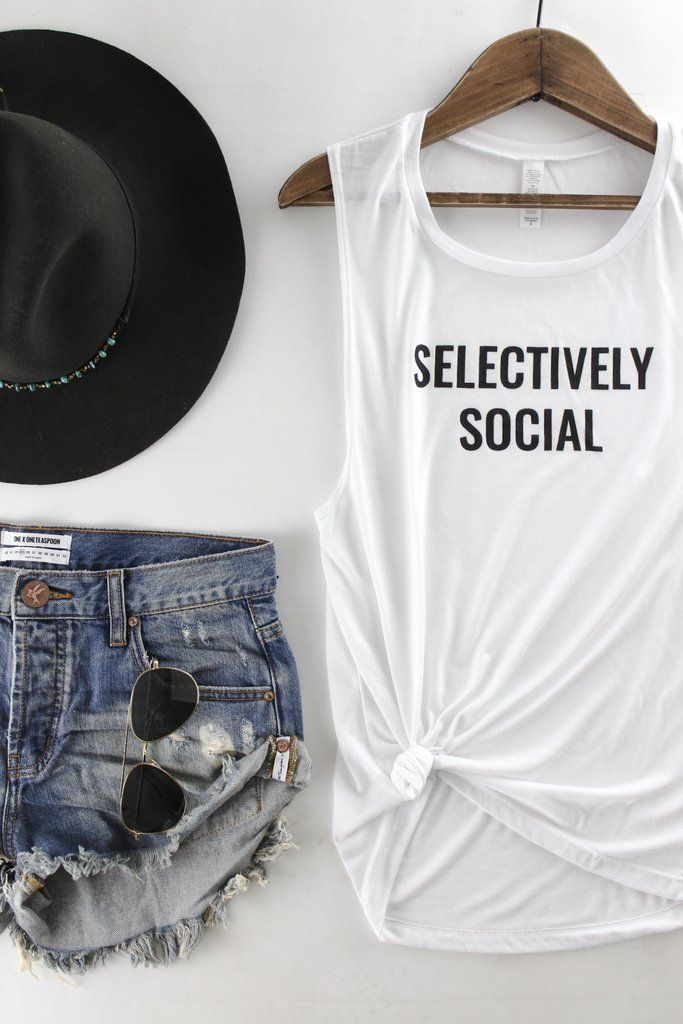 Selectively Social Tank | The Rollin' J | seriously cool graphic tanks | casual summer outfit | therollinj.com
