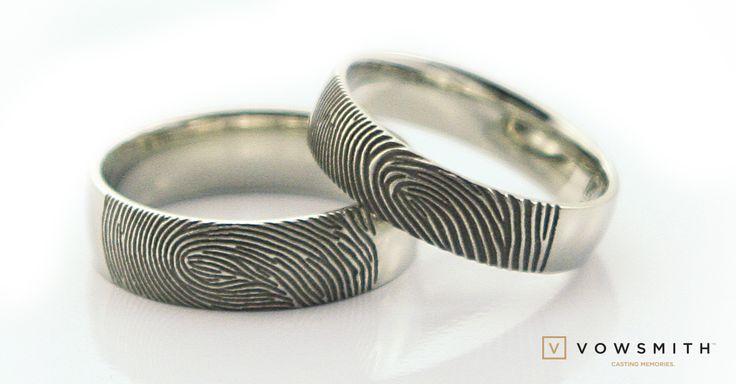 The Classic! Platinium personnalized fingerprint wedding bands.