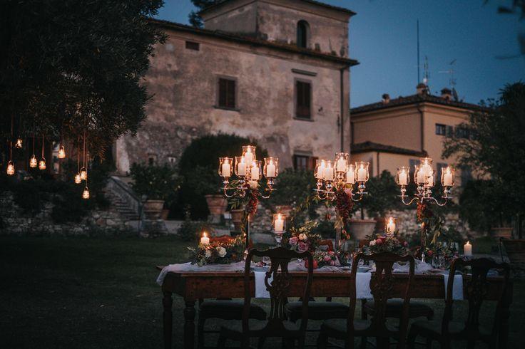 Dinner by night in the garden of Villa Medicea di Lilliano - picture by Stefano Cassaro
